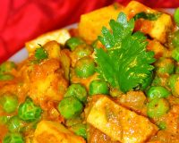 Muttor-paneer